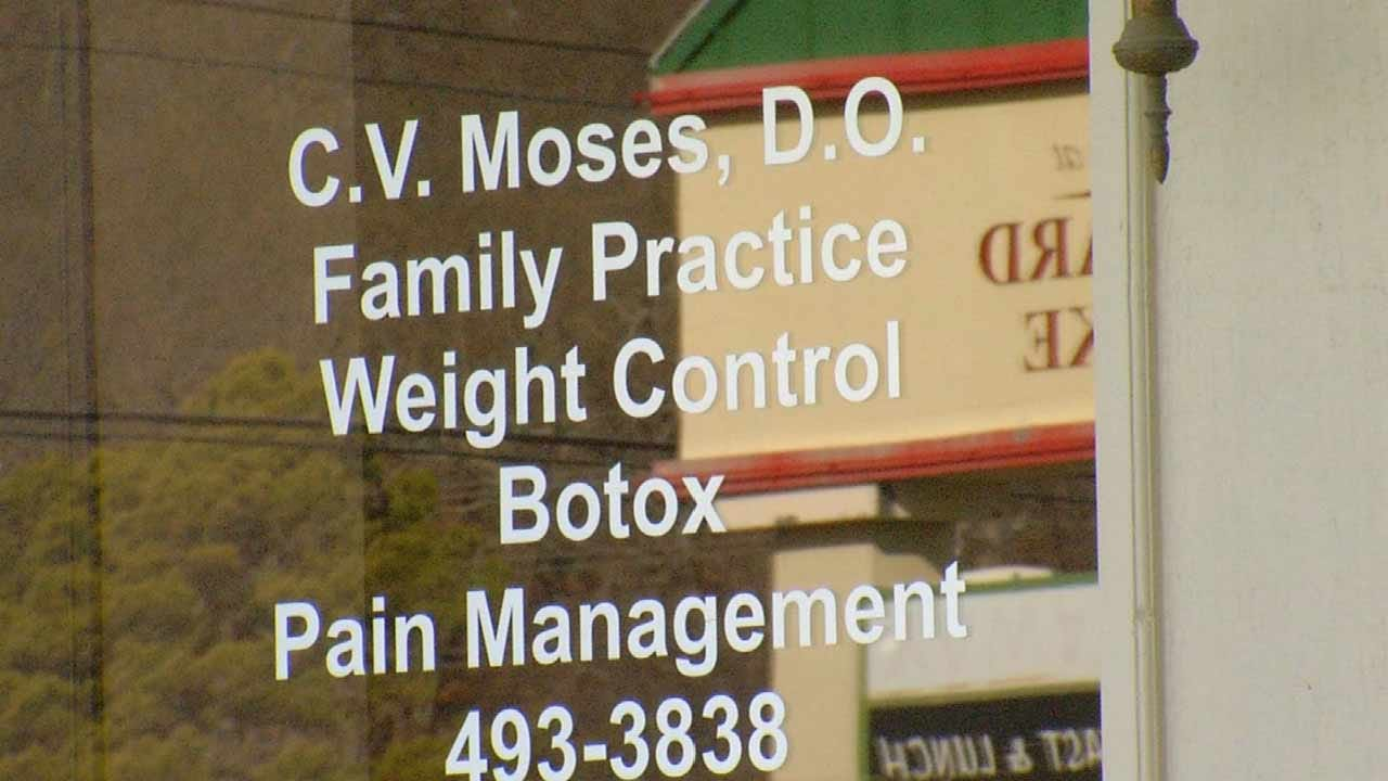 Tulsa Doctor & 2 Employees Indicted, Accused Of Overprescribing Opioids