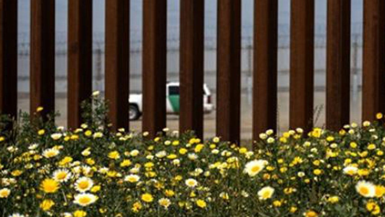 US Moves FEMA, Coast Guard Money To Fund Border Programs