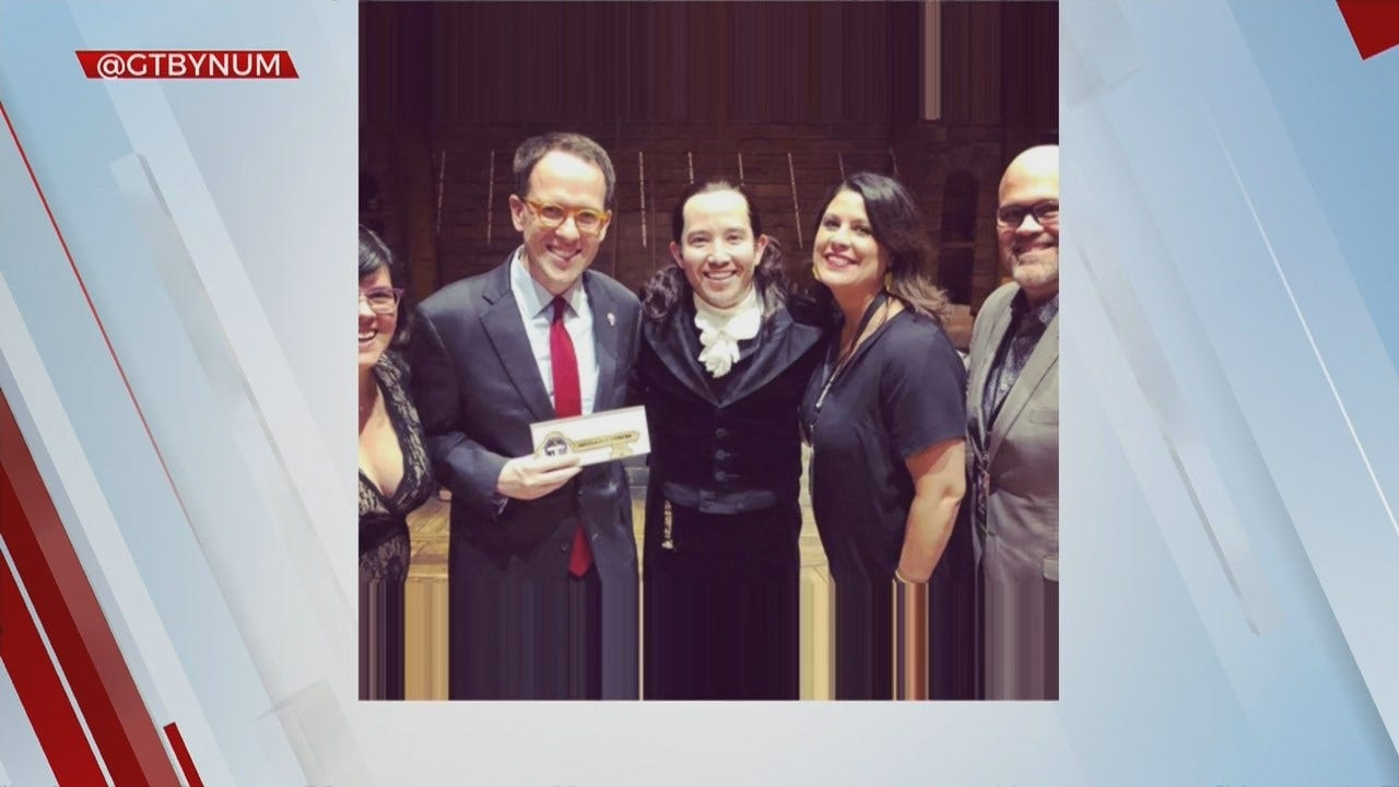 Tulsa Mayor Gives Key To The City To Hamilton Star