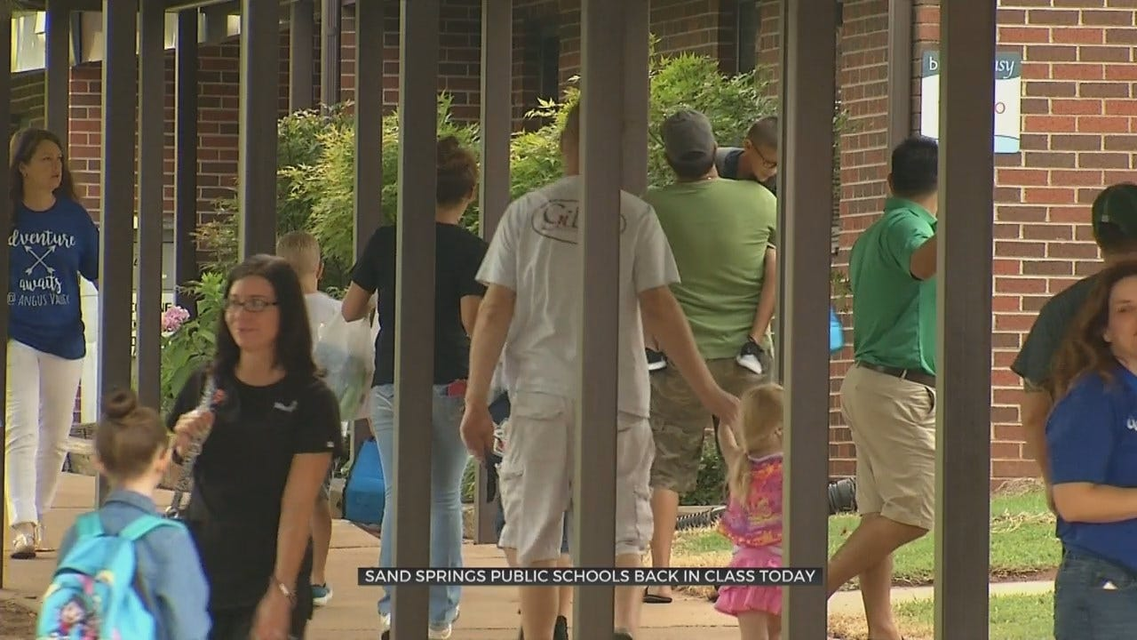Sand Springs Students Head Back To School