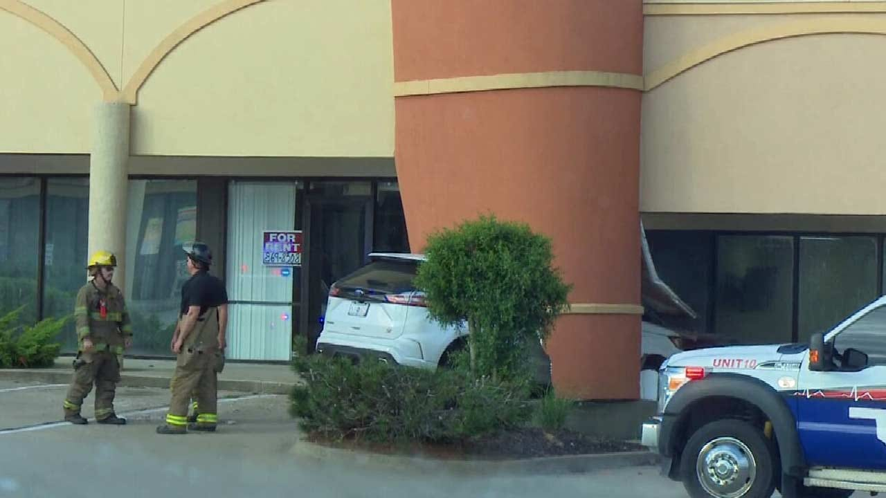 WATCH: SUV Crashes Into Muskogee Building