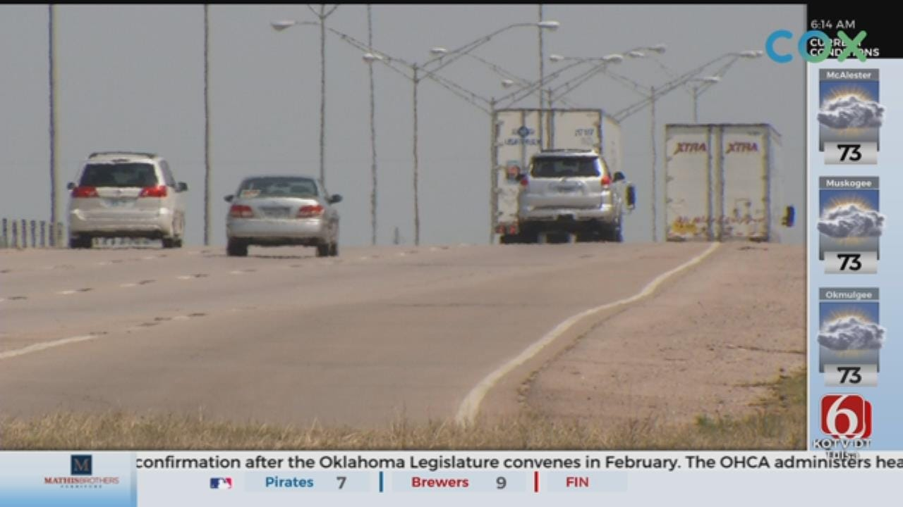 New Bill Requires Drivers To Move Over For Vehicles With Flashing Lights On