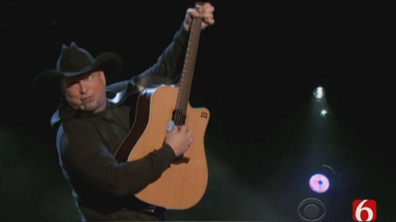 Garth Brooks Teaming Up With MLB To Combat Child Hunger