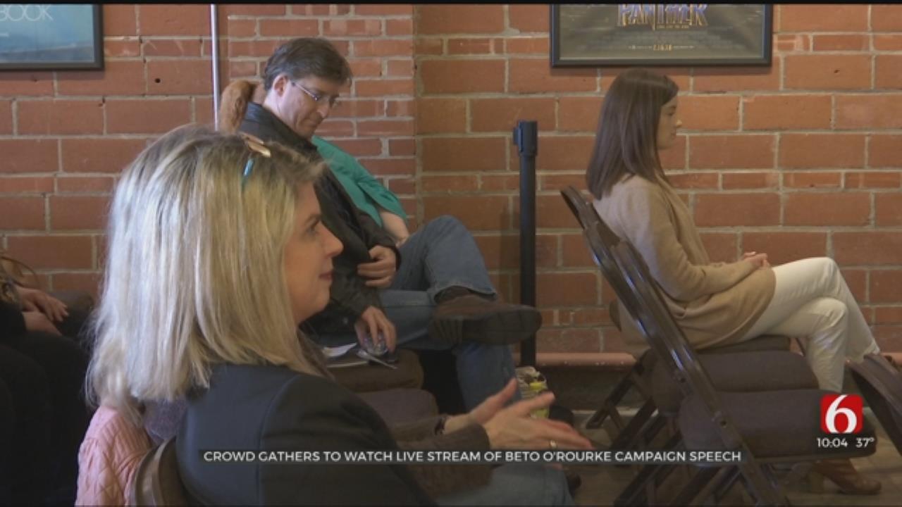 Crowd Gathers To Watch Beto O'Rourke Live Stream In Tulsa