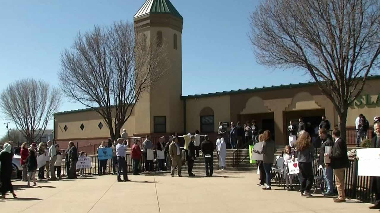 Tulsans Show Support For Muslim Neighbors After New Zealand Attacks