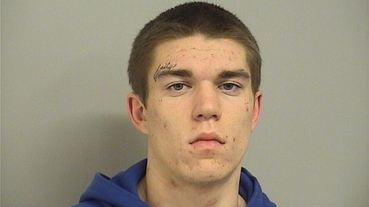 Tulsa Police: Wanted Felon Caught With 3 Runaway Teens