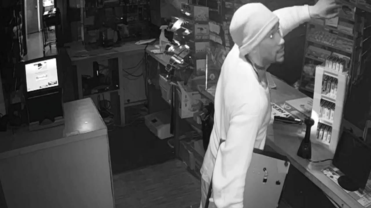 Tulsa Police Searching For Suspect In Gas Station Burglary