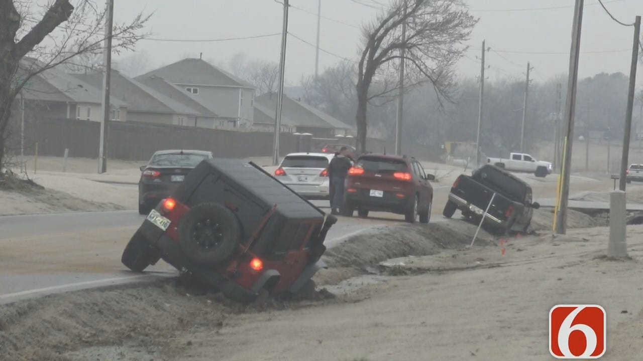 WATCH: StormTracker Video Of Icy Oklahoma Road Conditions, Wrecks
