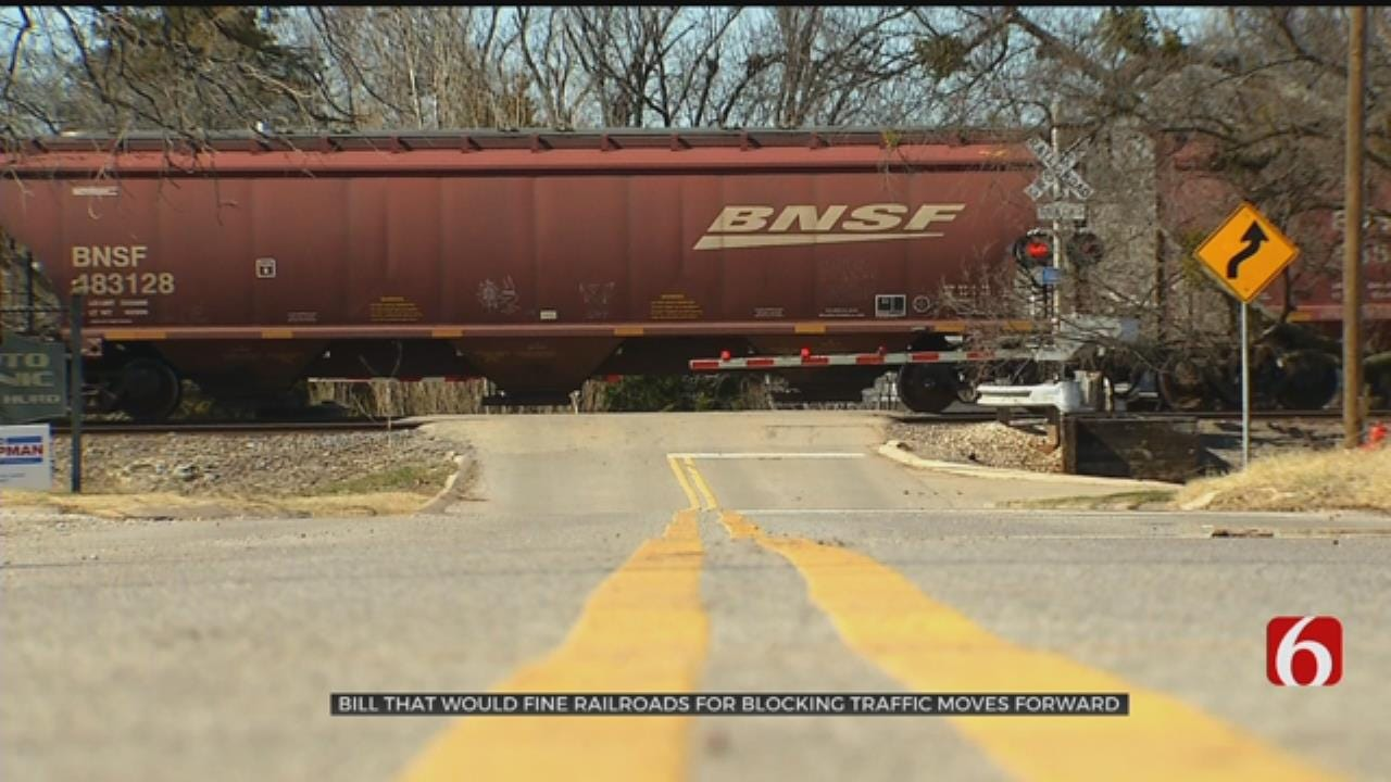 House Passes Bill Punishing Railroads For Trains Stopped On Tracks