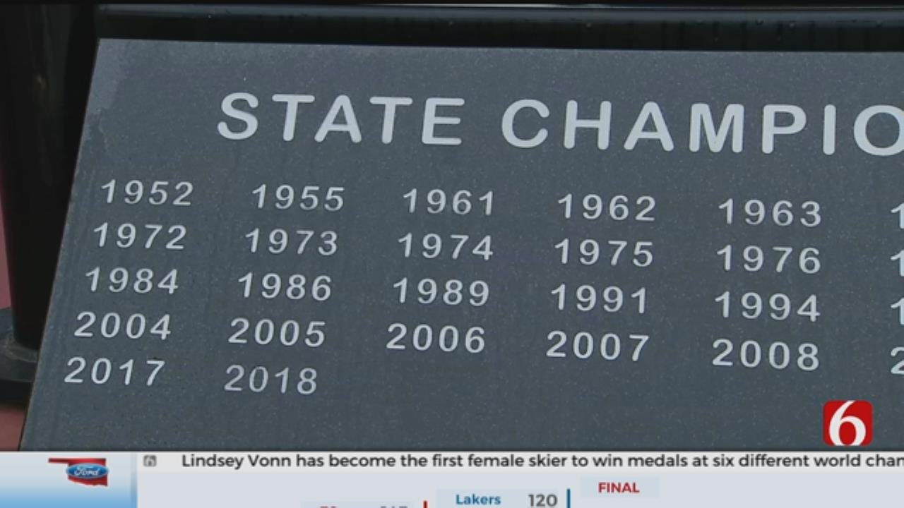 A story on Perry's historic wrestling program