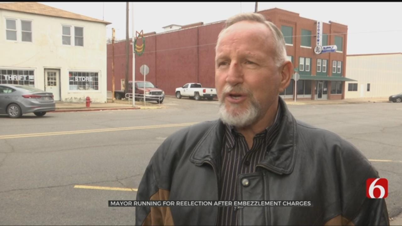 Oilton's Mayor To Run Again Despite Embezzlement Charges