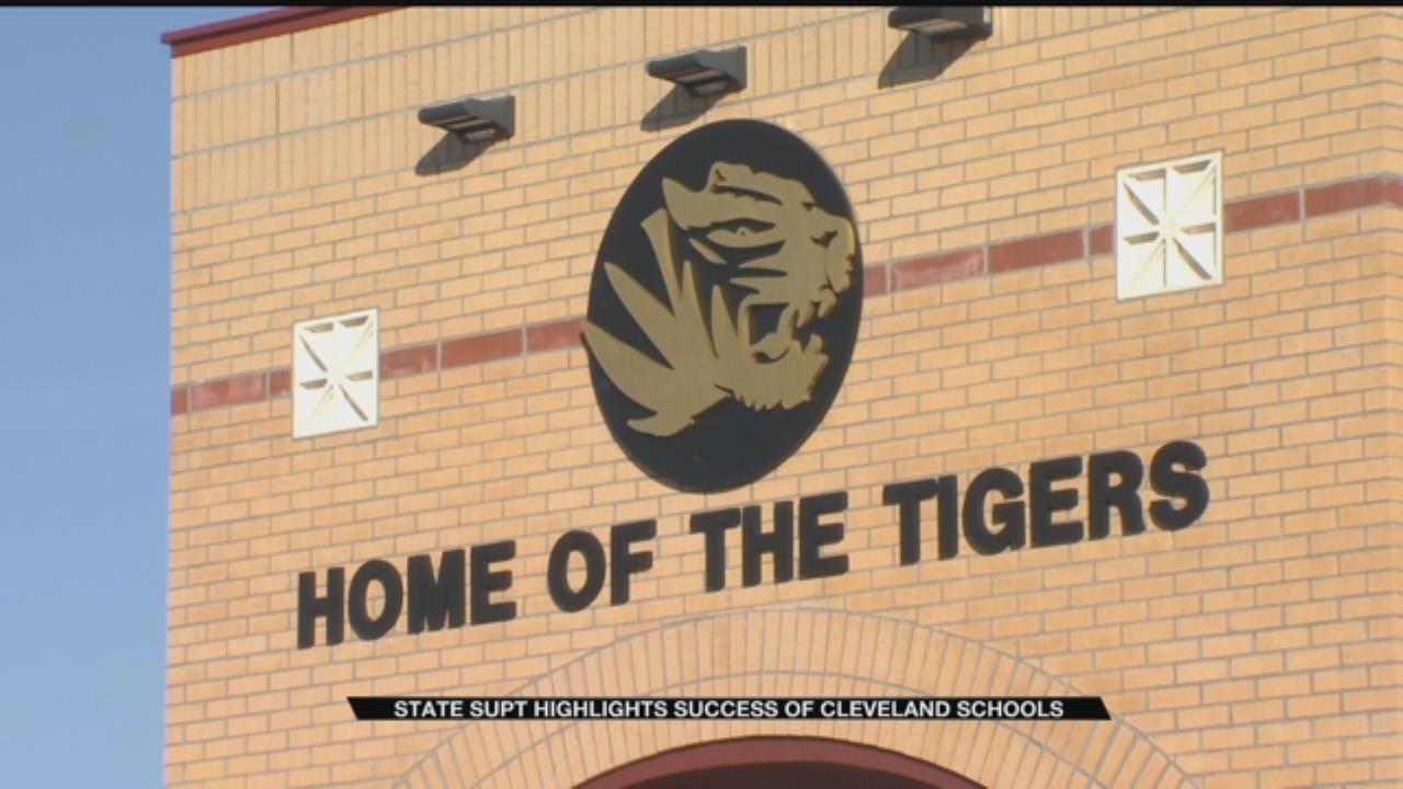 Cleveland Public Schools Praised For Virtual Program
