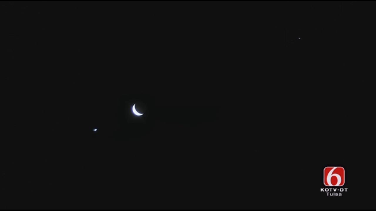 Venus, Jupiter, Moon In Conjunction In Oklahoma Sky