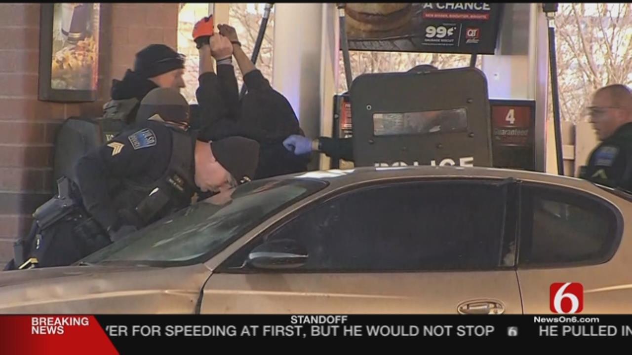 Suspect In Tulsa QuikTrip Standoff Taken Into Custody