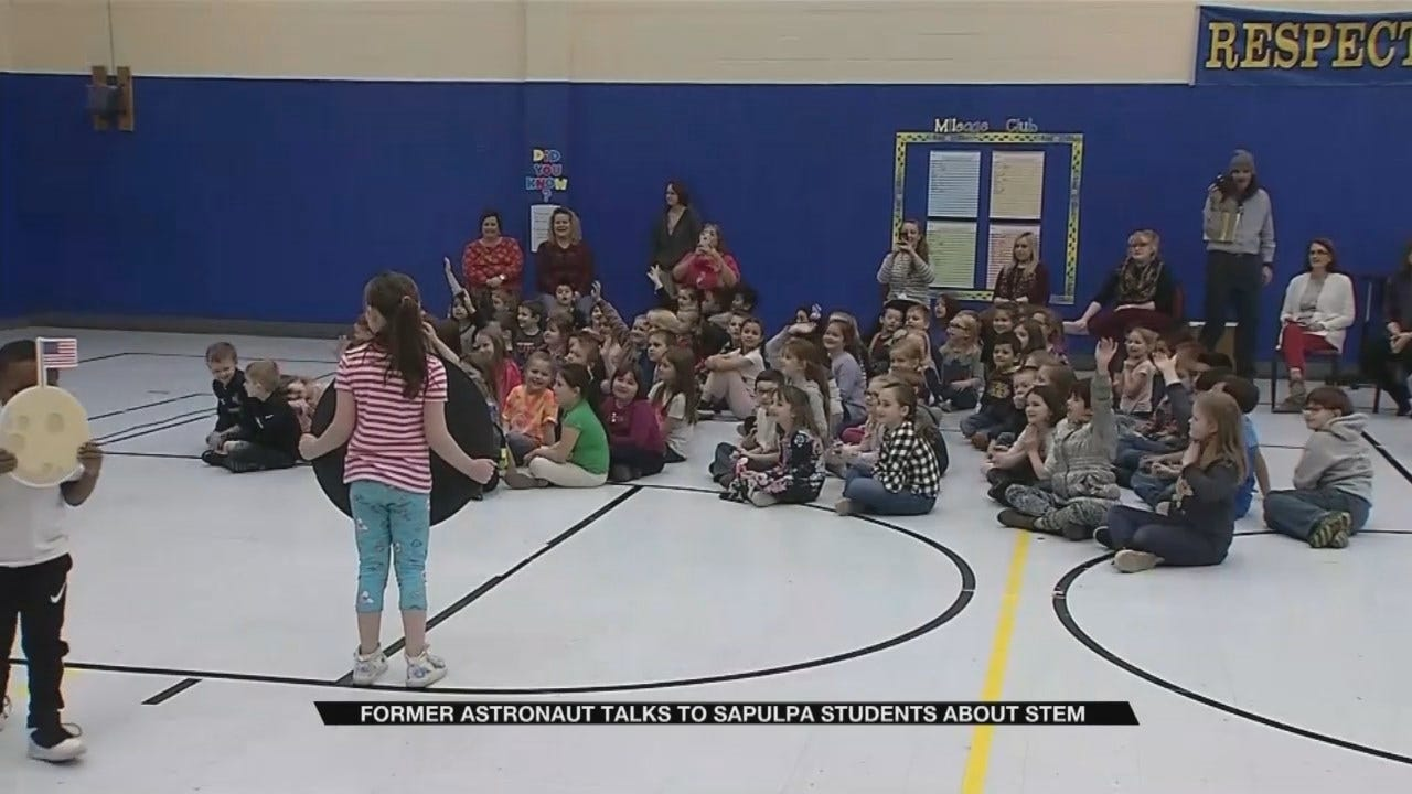 Sapulpa Elementary Students Receive Visit From Former Astronaut