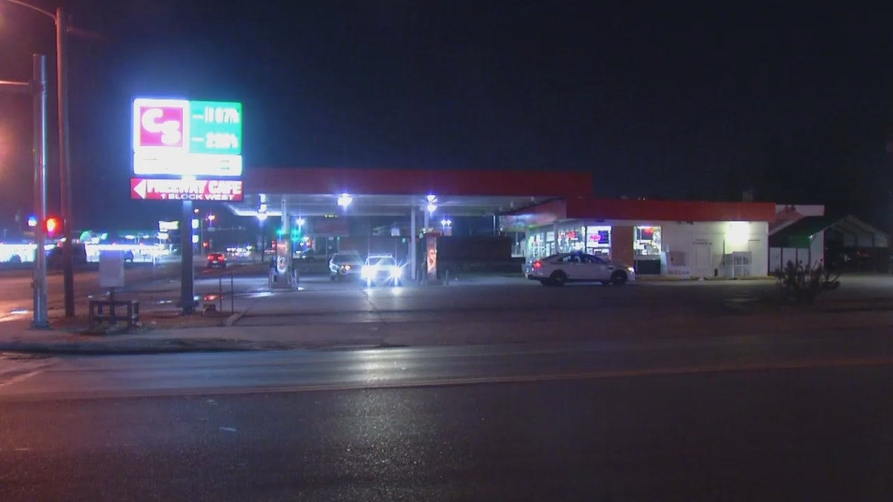 Video From Scene Of Tulsa Convenience Store Robbery