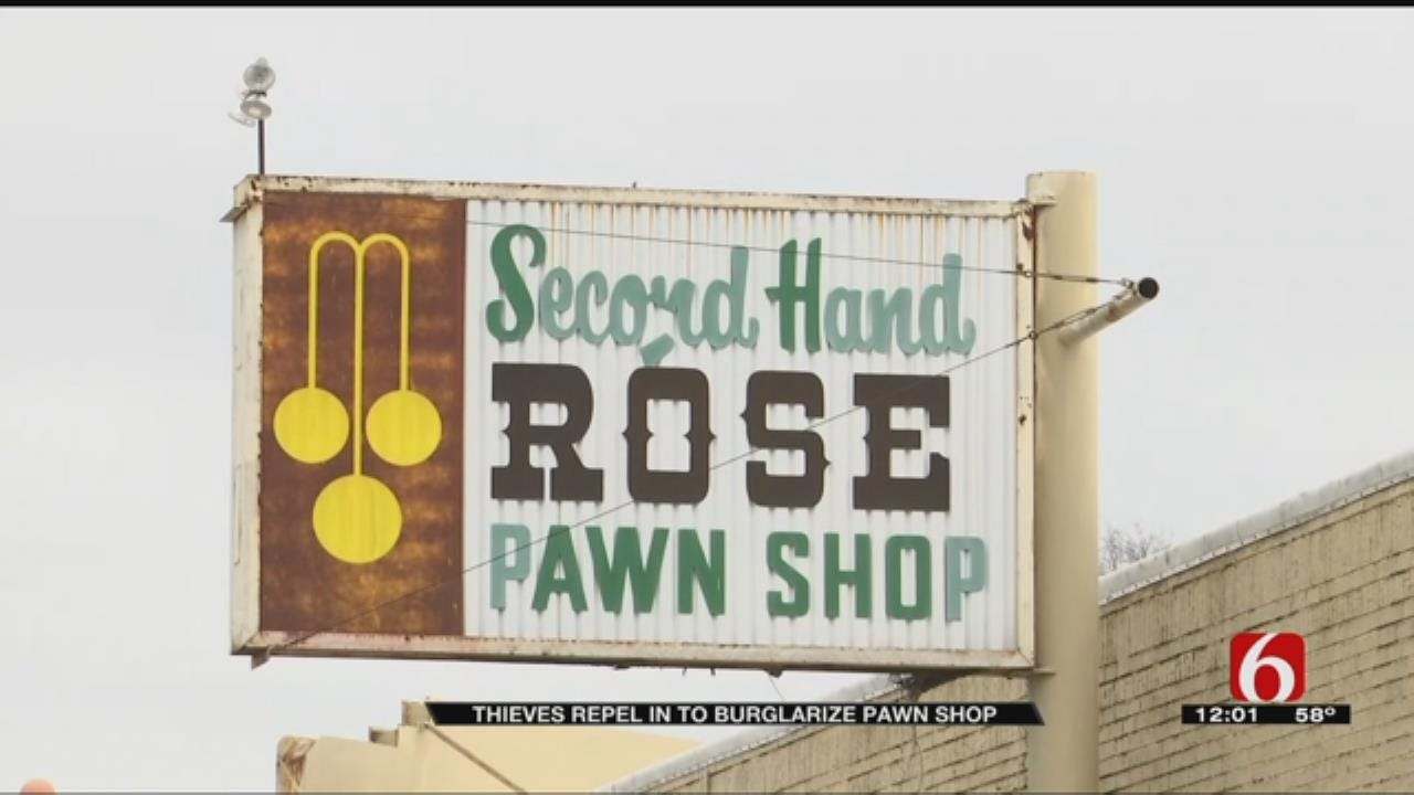 Tulsa Thieves Rappel Into Pawn Shop, Take AR-15 Rifles