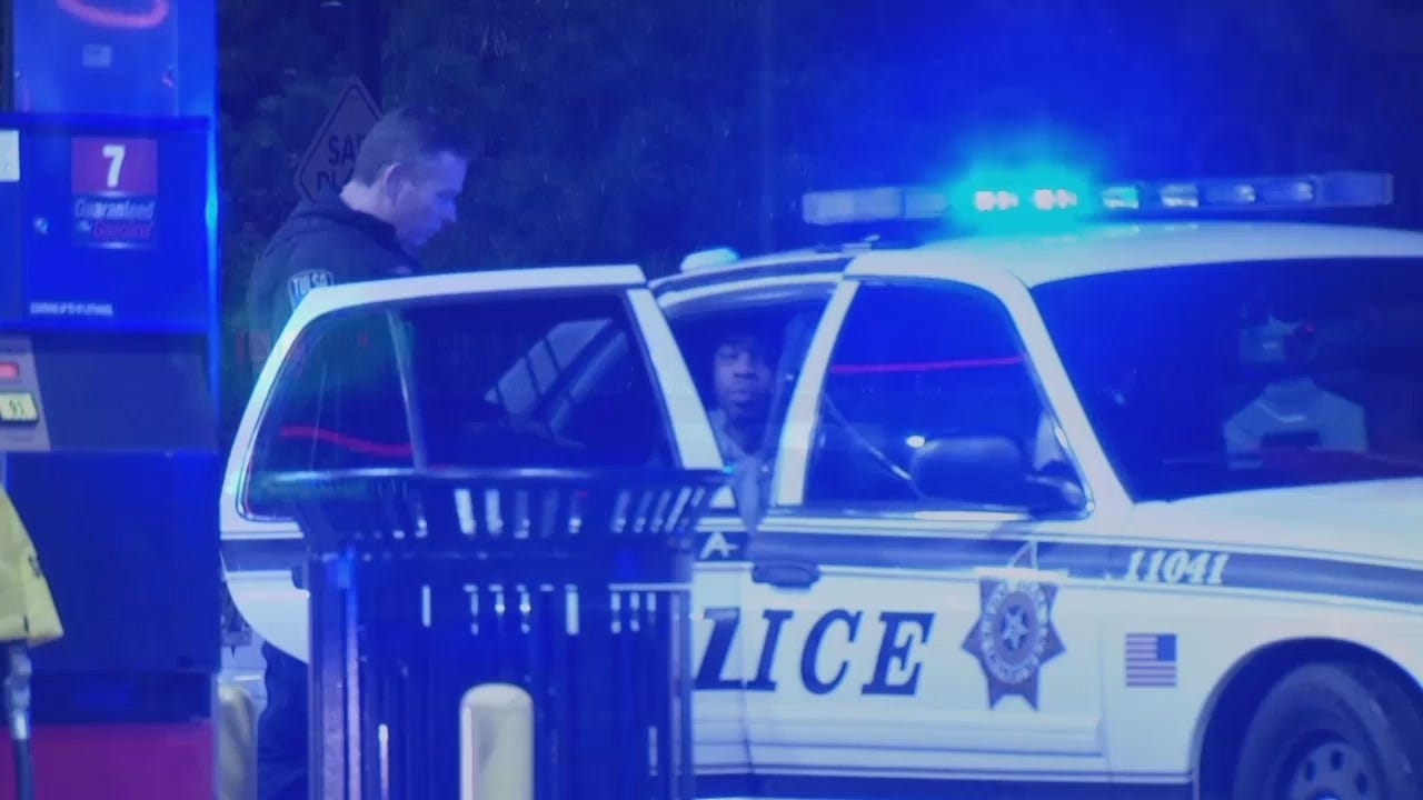 Video Of Tulsa Police Taking 2 Robbery Suspects Into Custody