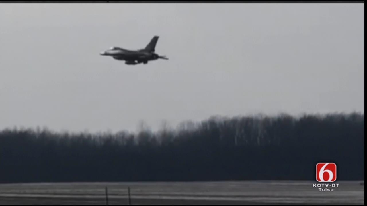 VIDEO: Tulsa F-16 Takes Off For Lambeau Field Flyover