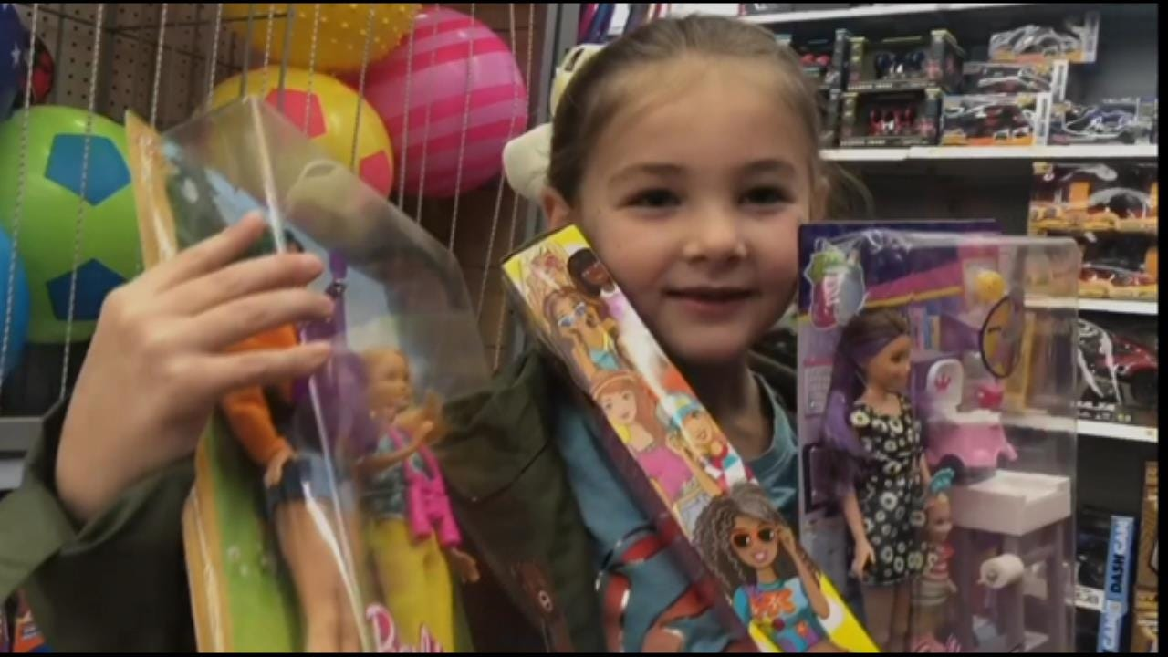 News On 6 Storm Trackers Hit The Stores For Muskogee FOP Toy Drive