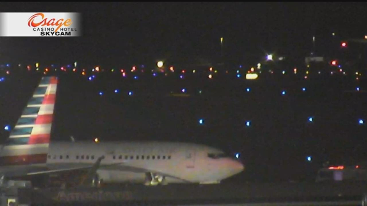 Passenger Jet Makes Emergency Landing At Tulsa International Airport