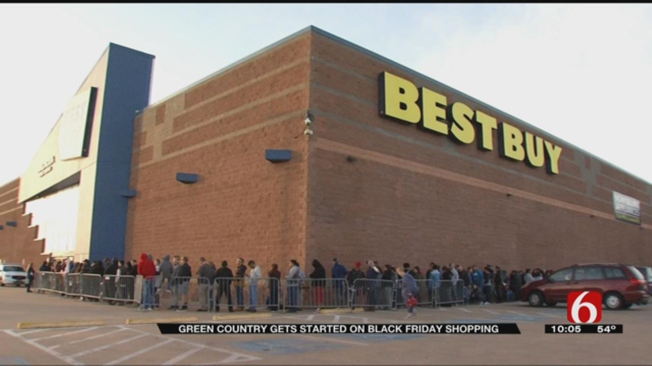 Tulsans Kick Start Holiday Shopping With Black Friday