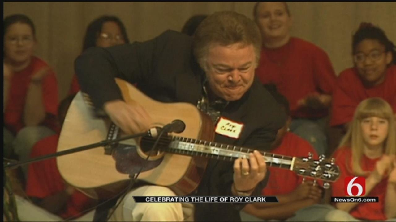 Remembering Country Music Legend Roy Clark