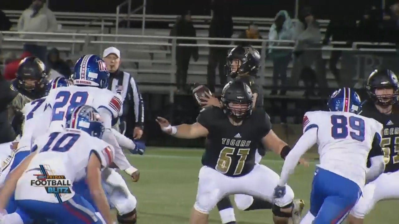Broken Arrow Defeats Moore 49-0