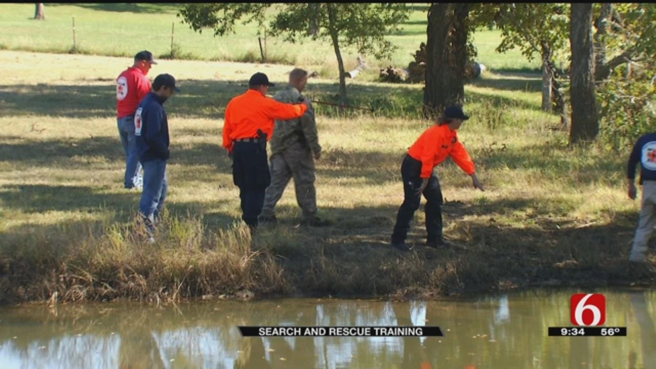 Rogers County Search And Rescue Learn How To Track From TCSO
