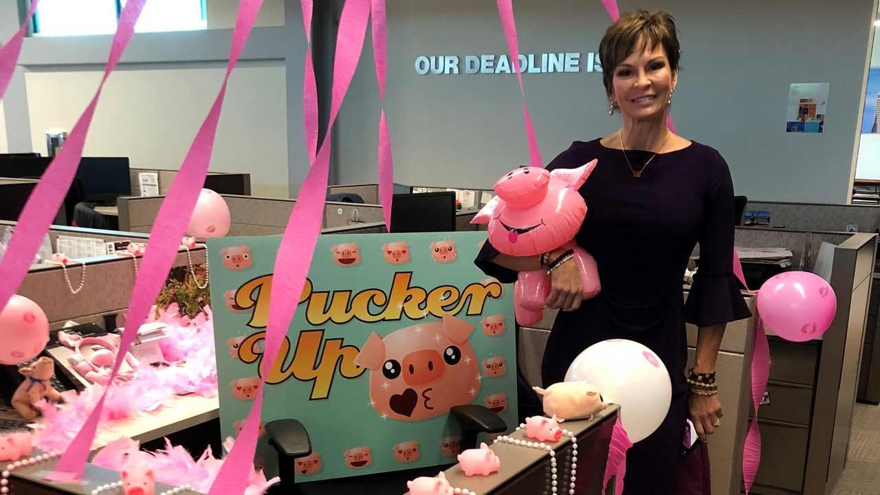 Lori Fullbright Ready To Kiss Georgie The Pig Tonight At 5