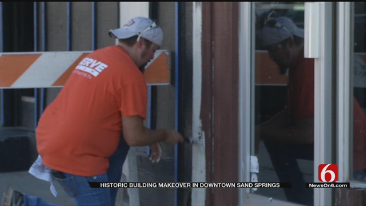 Volunteers Spruce Up Downtown Sand Springs Building