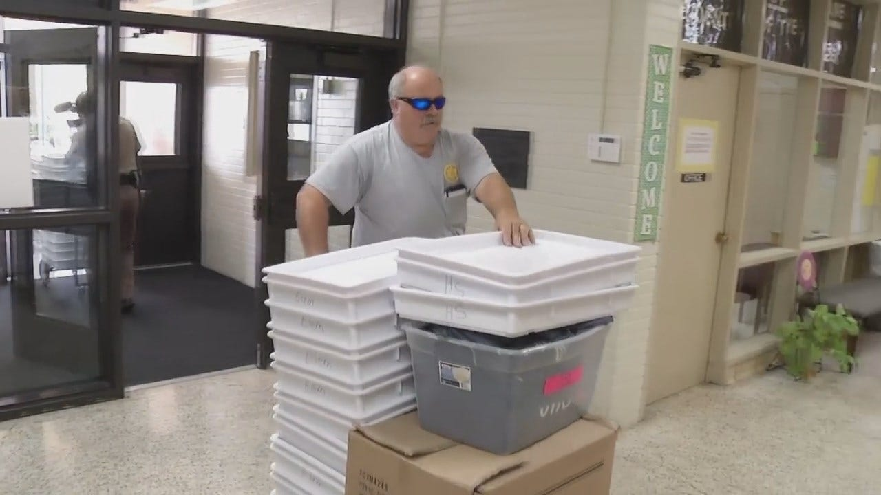 WEB EXTRA: TCSO Deputies Delivering School Supplies To Tulsa School