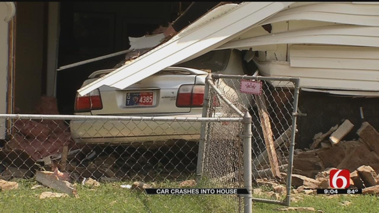 Man Drives Through Owasso Home During Police Chase