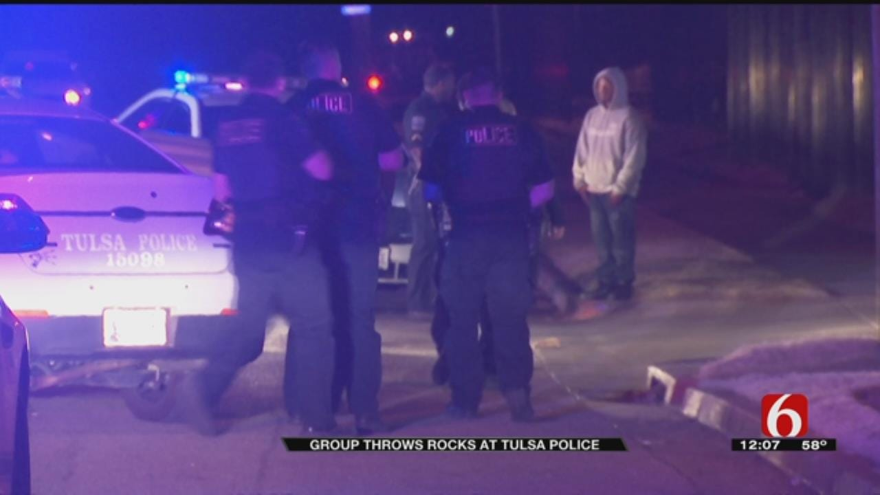 Crowd Throws Rocks At Police Following Tulsa Chase