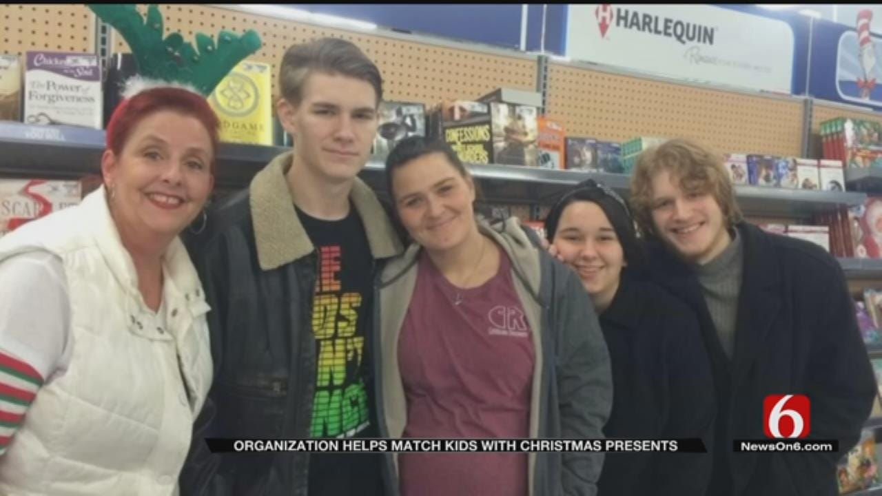 Organization Helps Kids With Incarcerated Parents Celebrate Christmas