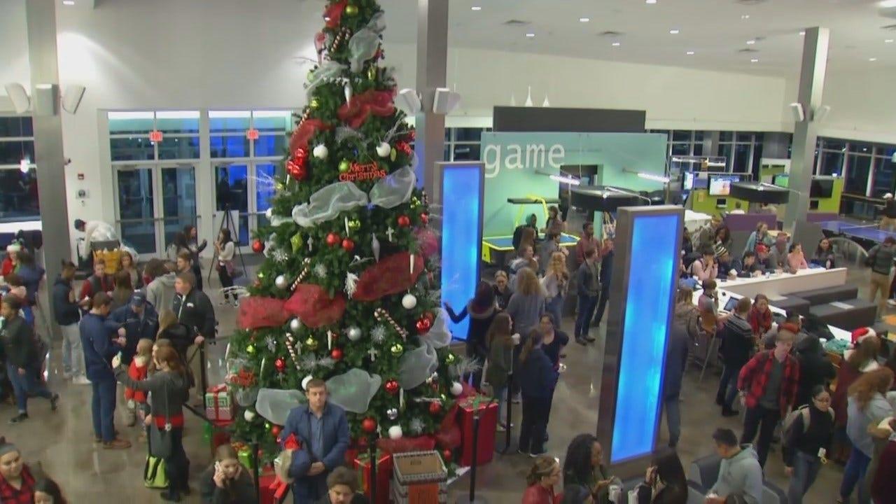 ORU Turns On Christmas Lights