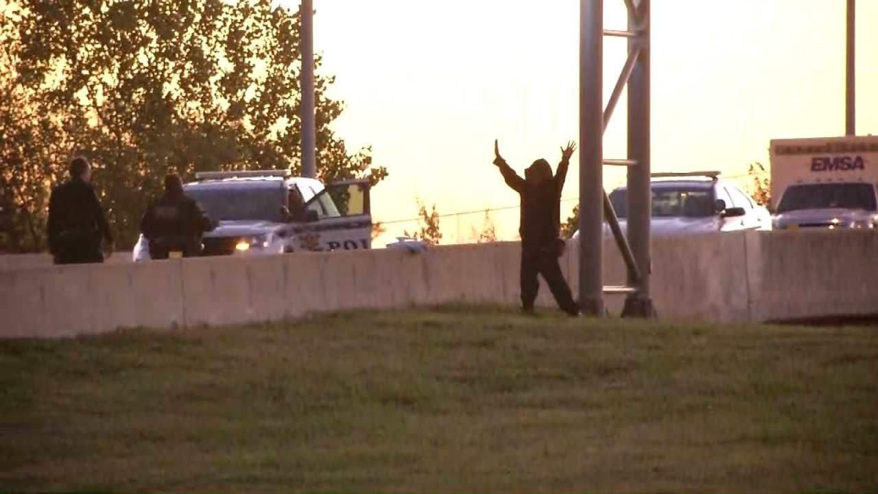Joseph Holloway: Tulsa Sign Guy Climbs Down After 13 Hours