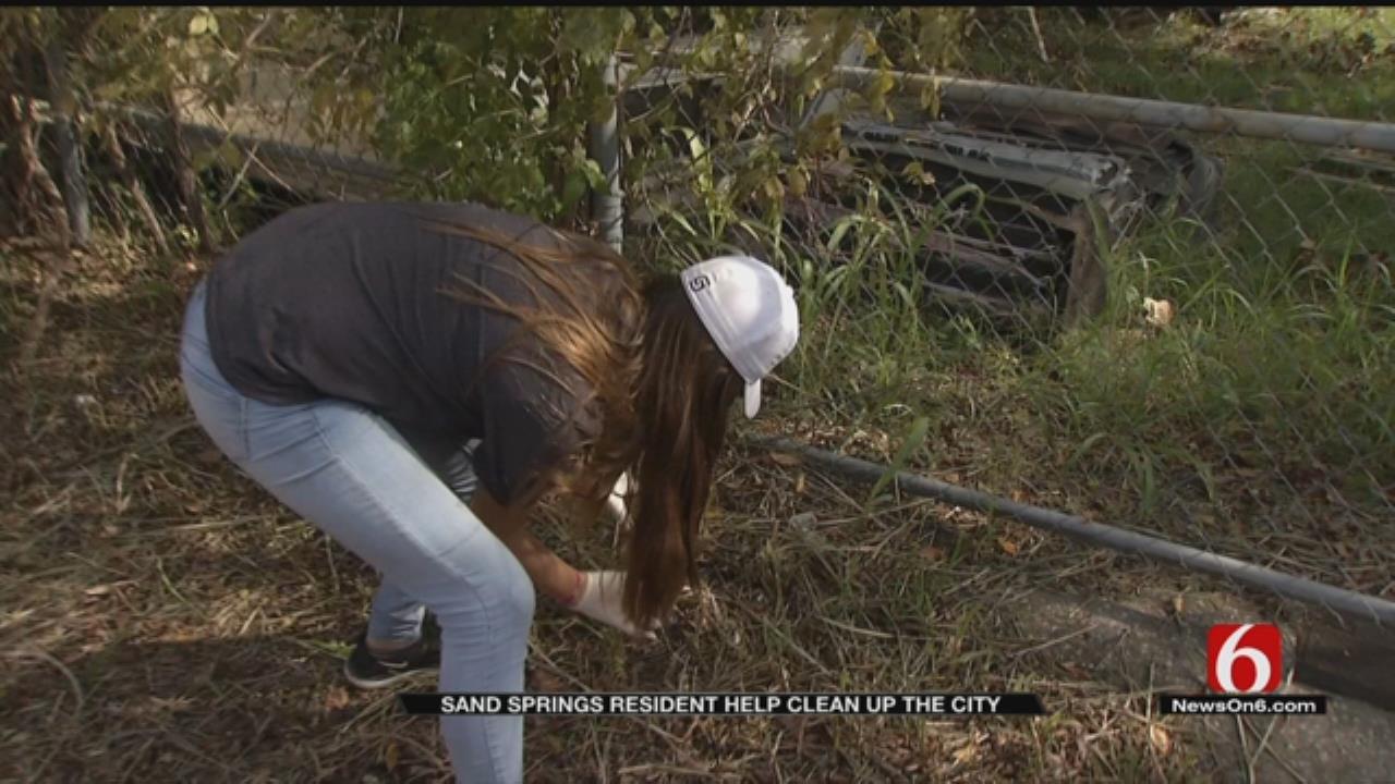 Kids, Volunteers Clean Up Sand Springs