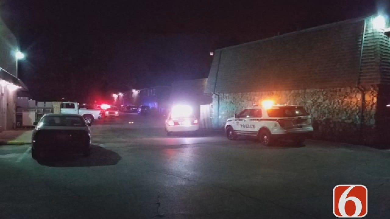 Dave Davis Says A Man Found Shot Outside A Tulsa Apartment Complex