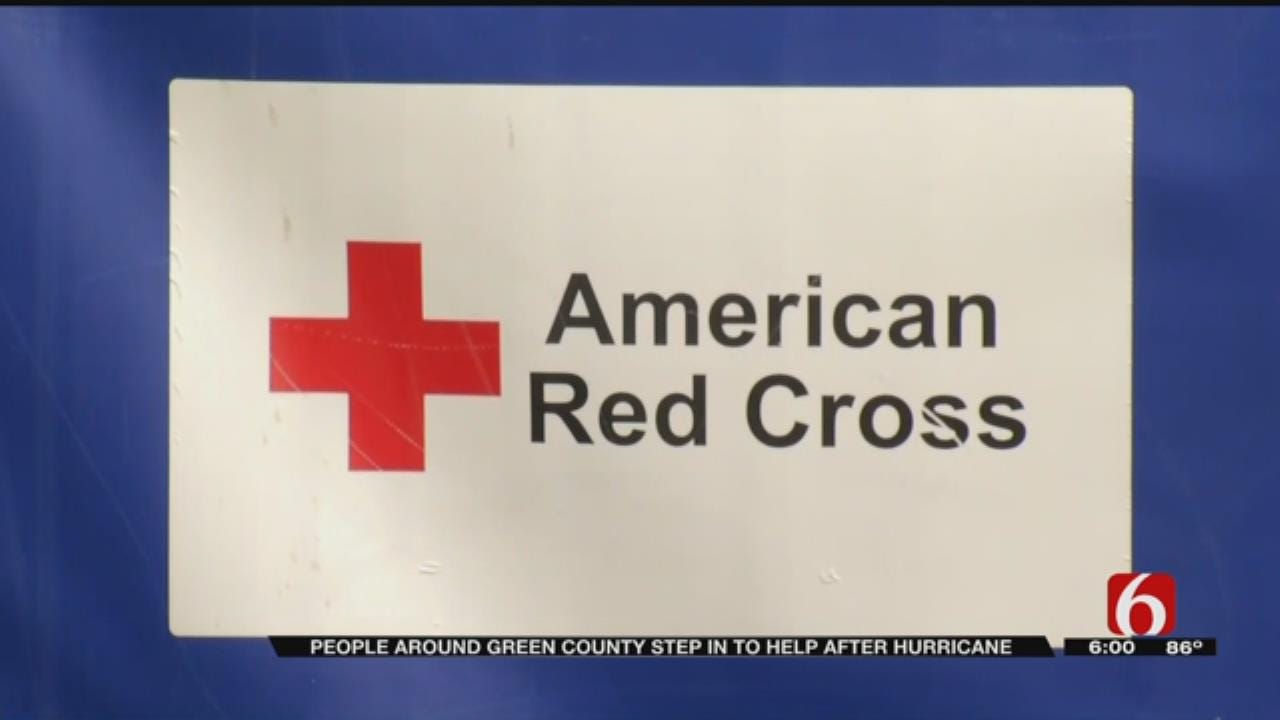 Woodland Hills Mall Shoppers Donate To Harvey Relief