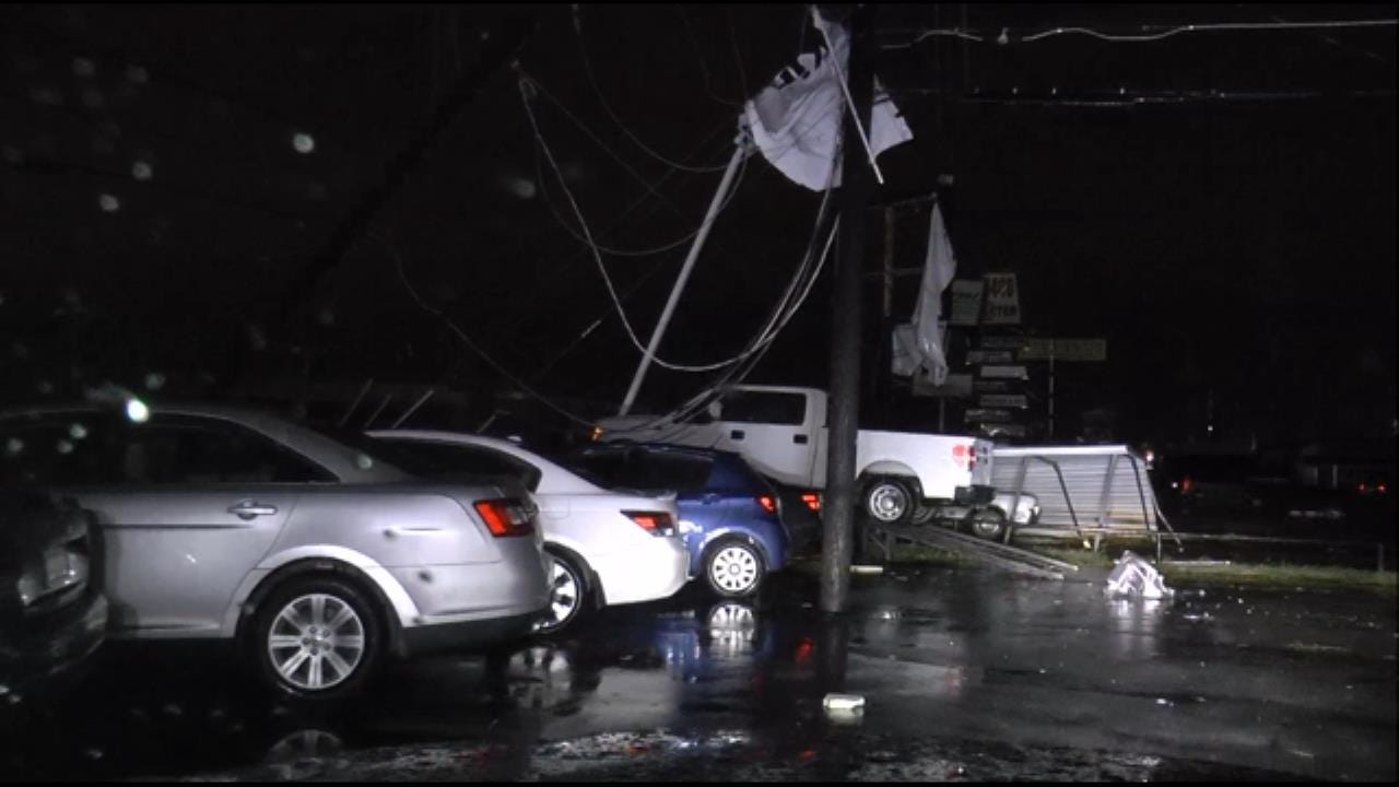 WEB EXTRA: Damage At DriveTime Near 41 And Memorial
