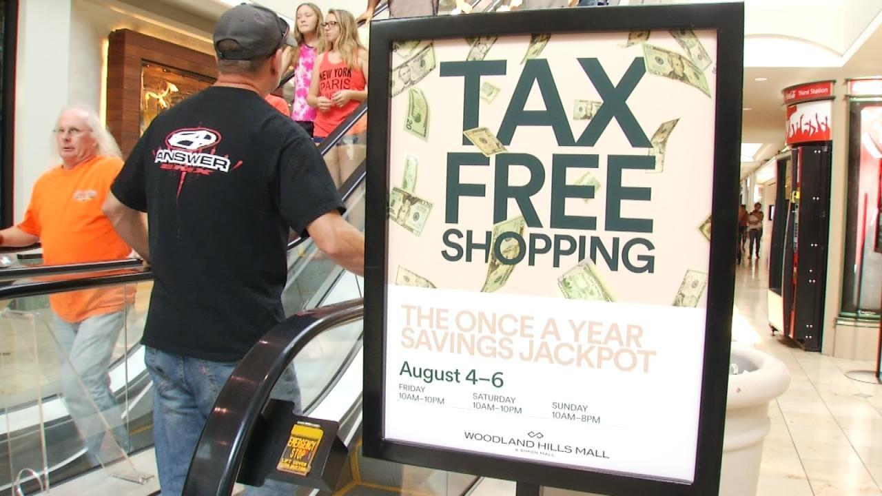 Bargain Shoppers Enjoy Oklahoma's Tax Free Weekend