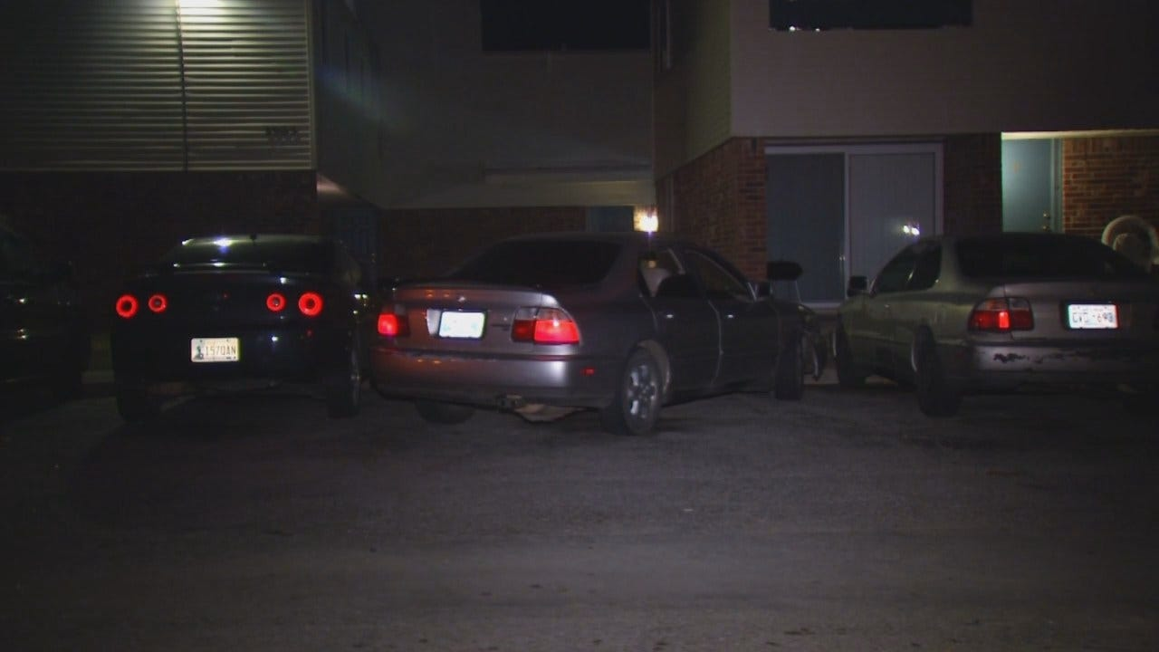 WEB EXTRA: Video From Scene Of Car Theft At Tulsa Apartment Complex
