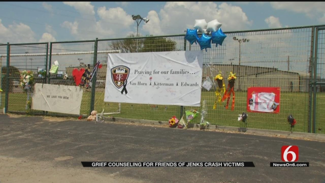 Jenks Community Providing Free Counseling After Fatal Crash