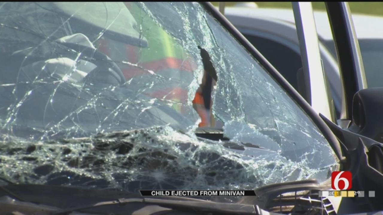 Child Ejected In Multi-Vehicle Wreck On Tisdale Expressway