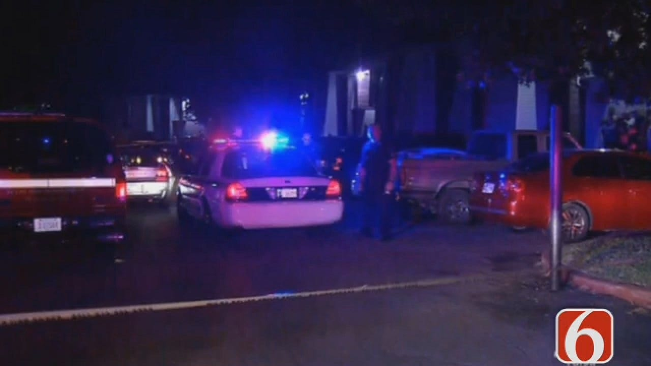 Joseph Holloway Reports On Deadly Shooting At Tulsa Apartment Complex