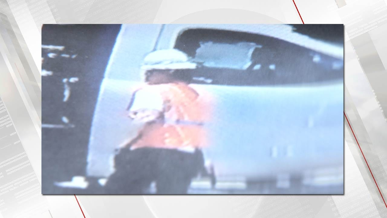 Thieves Caught On Camera Stealing Trailer Full Of Model Trains From Tulsa Storage