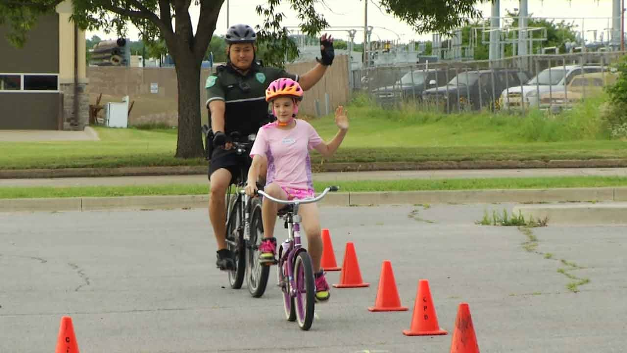Claremore Police Holds Bicycle Rodeo Class For Kids