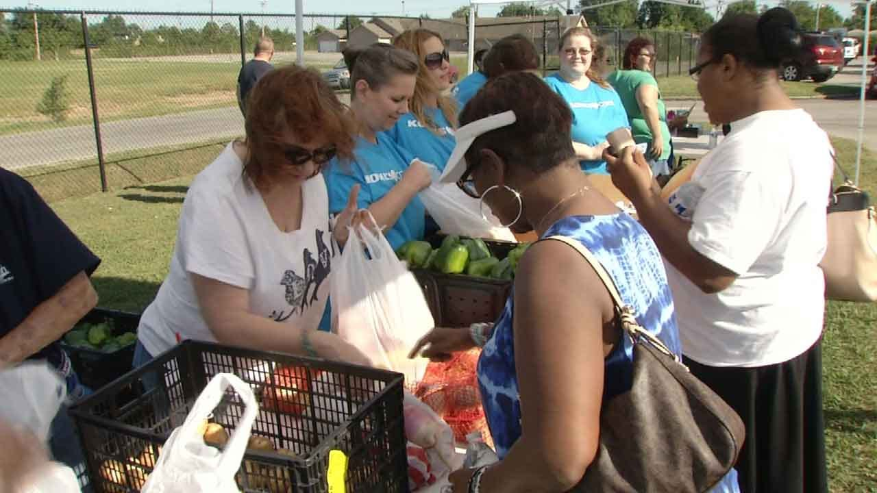 Tulsa Volunteers Line Up To Fight Hunger