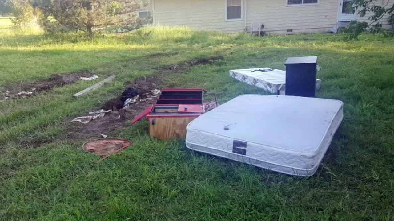 Thieves Get Stuck In Mud After Tulsa Burglary